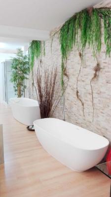 Showroom ambientazione vasca bagno